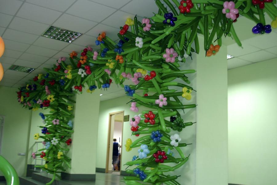 Как украсить кабинет цветами