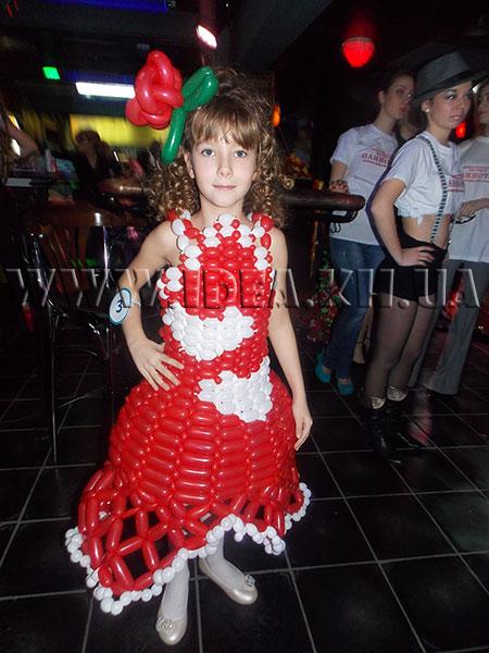 Платье из шариков для девочки своими руками 49