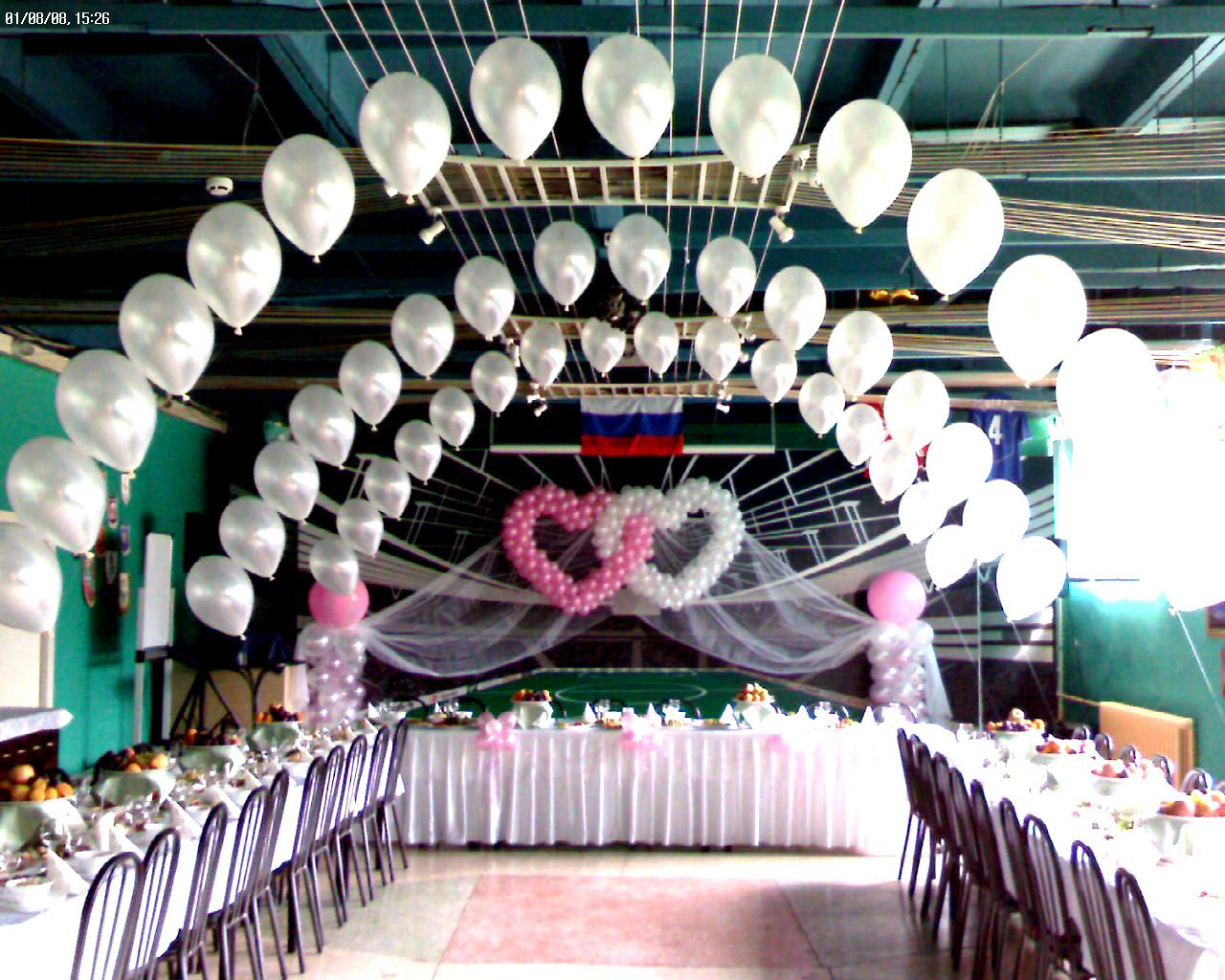 Белые шары на свадьбу фото