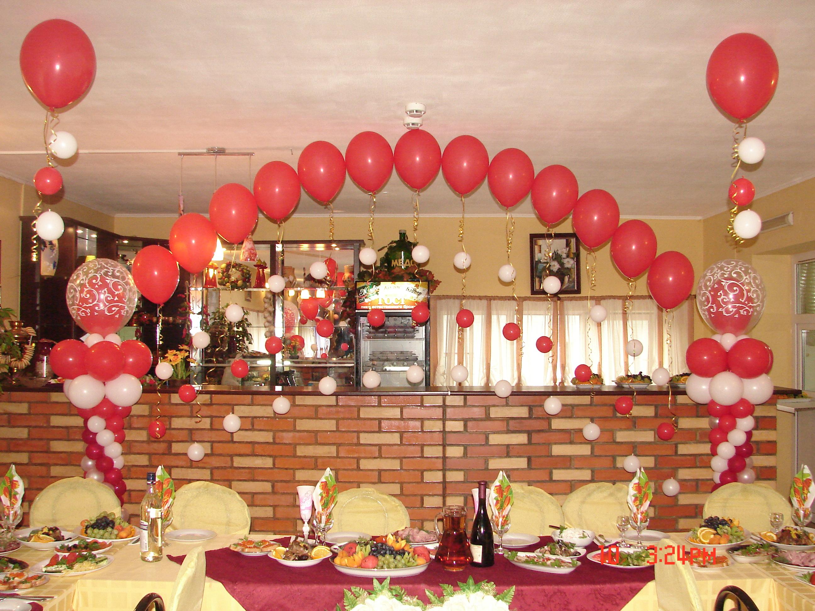 Украшения зала на свадьбу красное фото