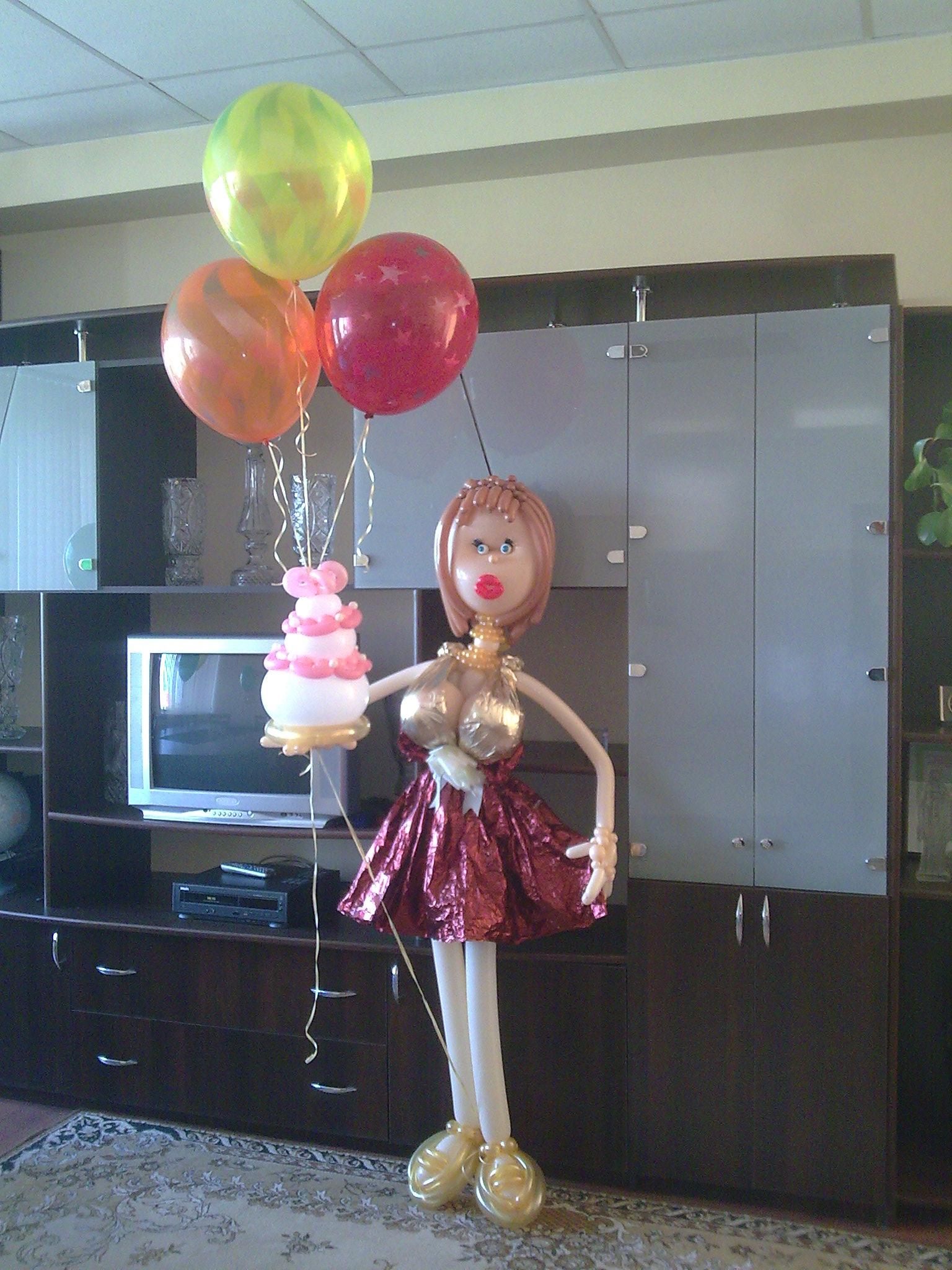 Подарок из воздушных шаров для шефа